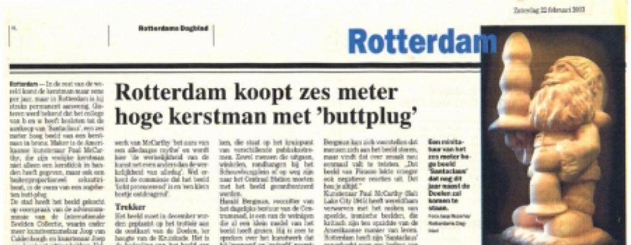 Rotterdam koopt zes meter hoge kerstman met 'buttplug'